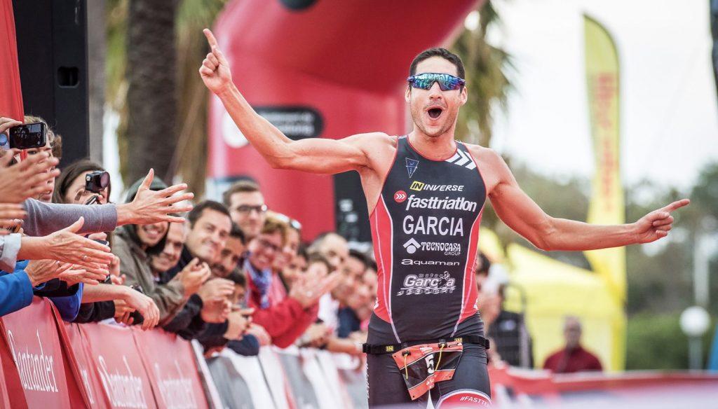 Jordi García, triatleta profesional y entrenador nacional de triatlón, participó en el estudio científico promovido por Powerinstep